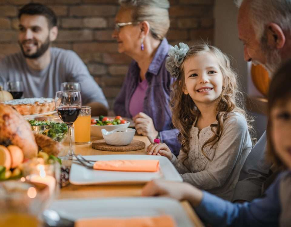 5 Thrifty Thanksgiving Tips To Make The Holiday A Lot Easier (and Less Expensive)