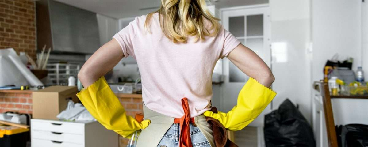 How To Successfully Use Common Household Items To Clean Your Home