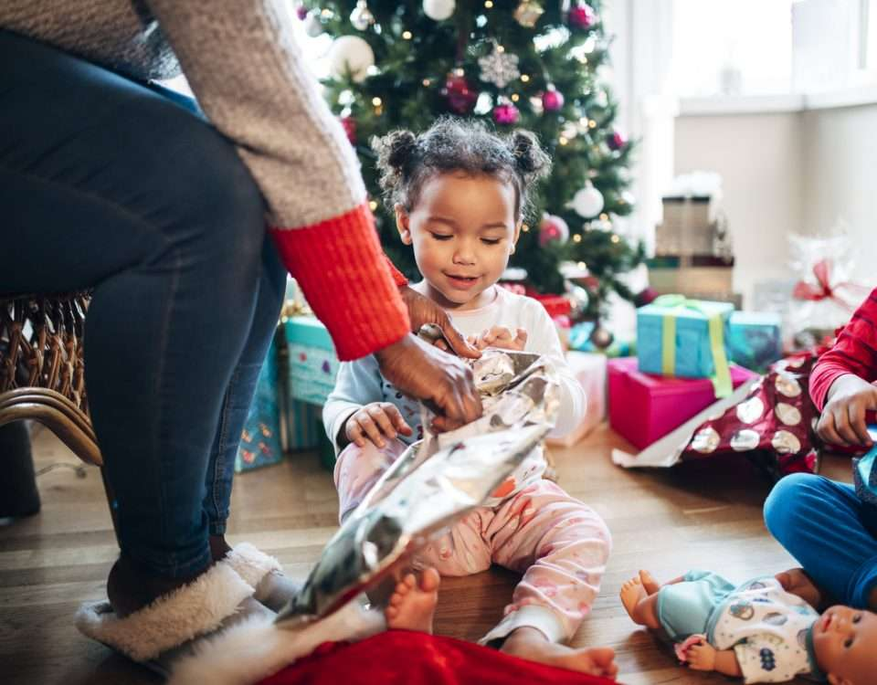 Tips on How to Buy Christmas Presents for Kids for Less
